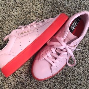 Women's Adidas Originals Sleek Casual Shoes